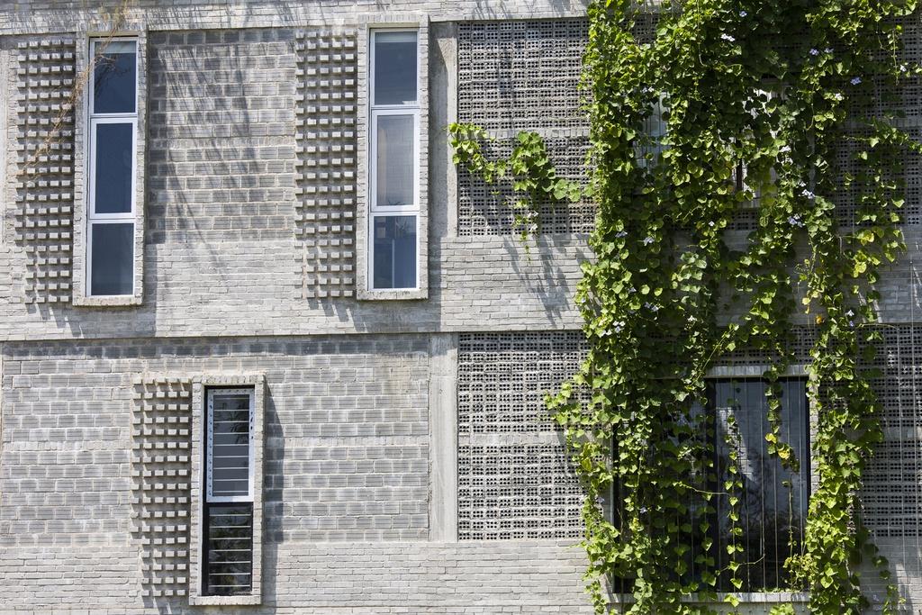 Tòa nhà văn phòng gợi nhớ về tuổi thơ ở làng quê - Ảnh 8