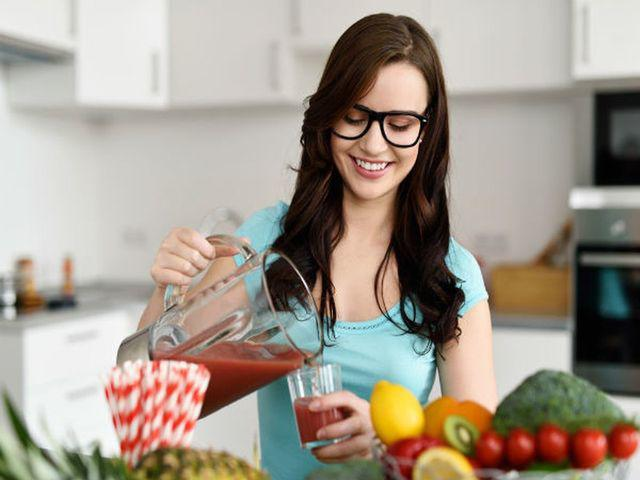 Phụ nữ sống thọ, chậm lão hóa thường có 6 đặc điểm này trên cơ thể, bạn có mấy điều? - Ảnh 1