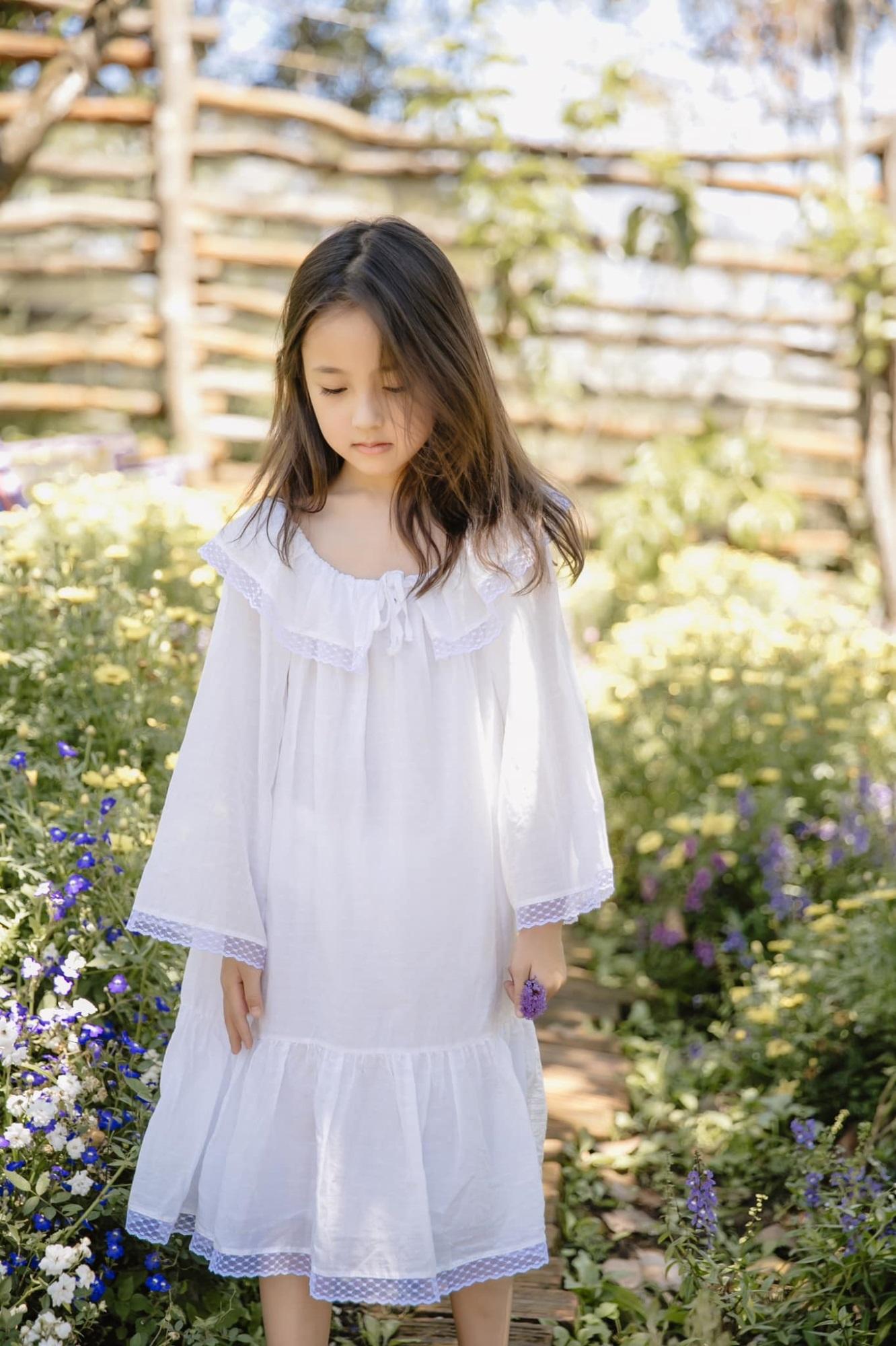 """Không hổ danh con gái Hoa hậu, công chúa nhỏ của Hà Kiều Anh sở hữu """"gen đẹp"""" của mẹ, càng lớn càng lộ khí chất đại mỹ nhân - Ảnh 3"""