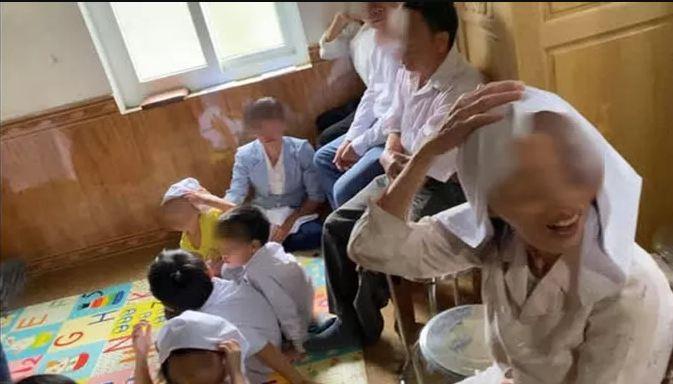 Phát hiện 6 người lớn, 6 trẻ em đang sinh hoạt 'Hội thánh Đức Chúa Trời Mẹ' trái phép - Ảnh 1