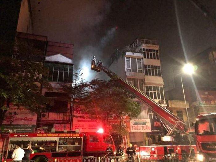 Sau các vụ hỏa hoạn: Nên mua chung cư hay nhà đất? - Ảnh 2