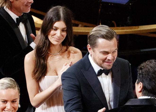 Những mối tình chênh lệch hàng chục tuổi ở Hollywood - Ảnh 1