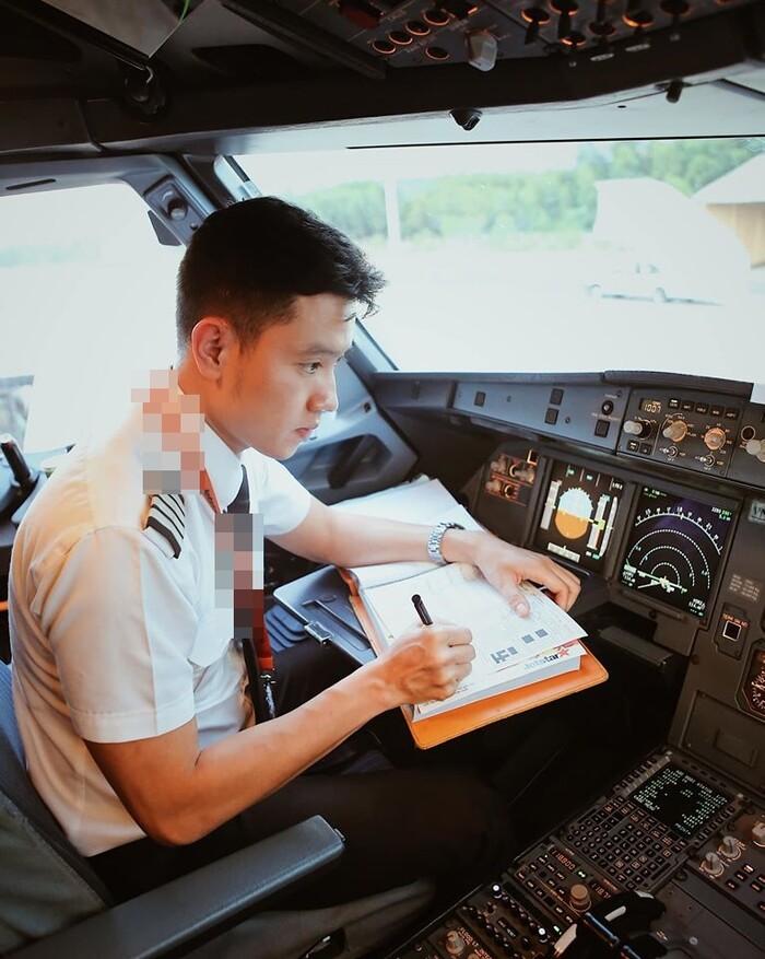 Cơ trưởng trẻ nhất Việt Nam tiết lộ bảng lương 'khủng': Hơn 2.000 tỉ một tháng? - Ảnh 3