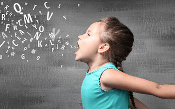 Có 2 trong 4 dấu hiệu hiệu này chứng tỏ bé mắc bệnh tự kỷ, cần đưa con đi khám sớm - Ảnh 1