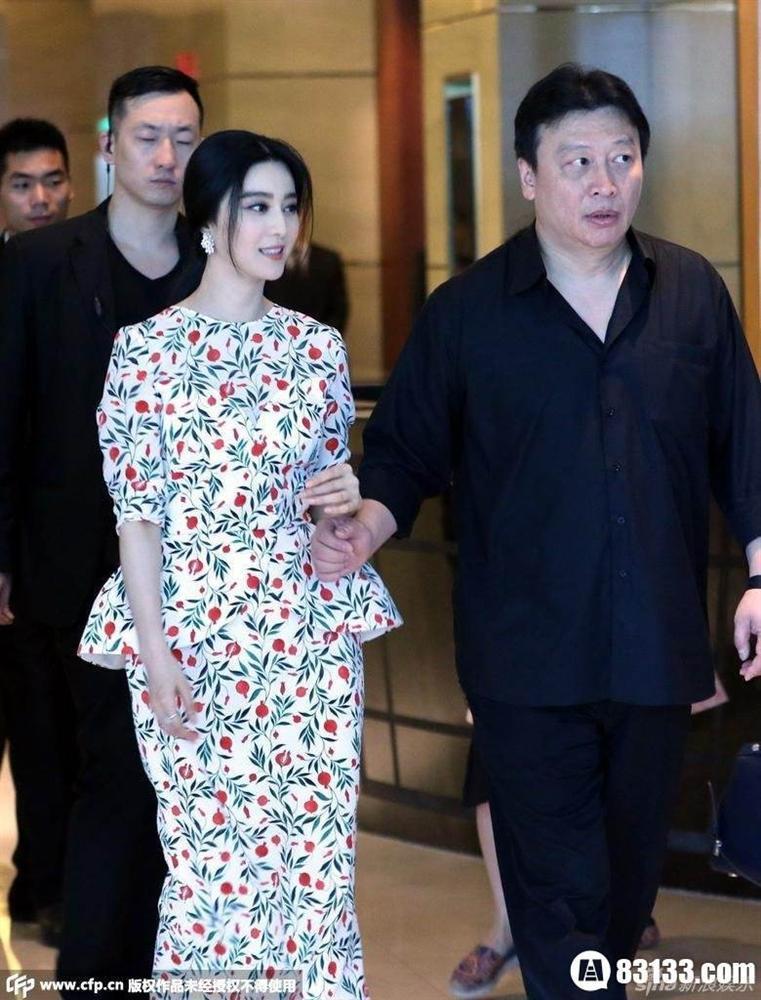 Thế lực chống lưng cho Lưu Diệc Phi và các sao nữ Trung Quốc - Ảnh 2