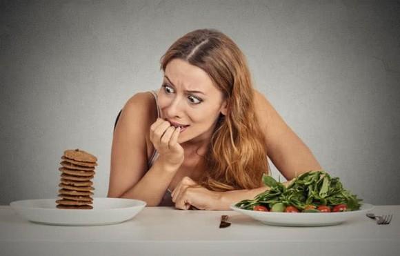 Ăn nhiều những thực phẩm này sẽ càng khiến phụ nữ già đi nhanh chóng - Ảnh 3