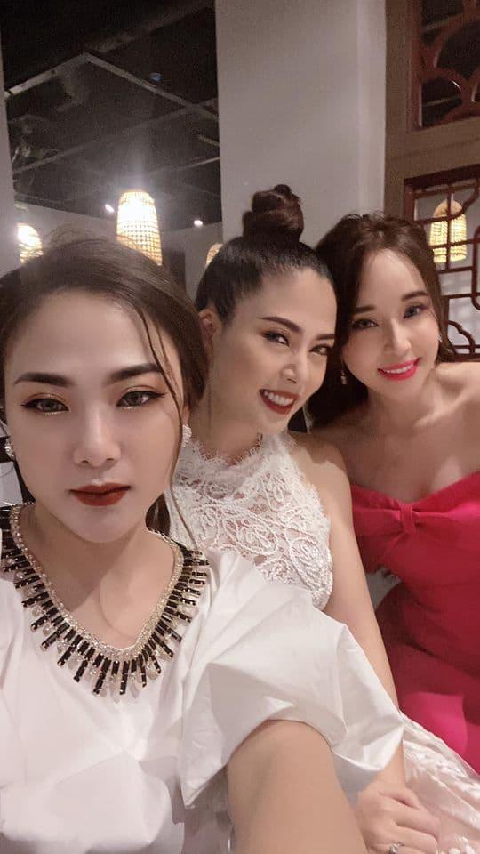 Khẳng định chỉ là anh em thân thiết, nhưng Quỳnh Nga và Việt Anh luôn kề sát nhau, không rời nửa bước trong tiệc sinh nhật - Ảnh 3