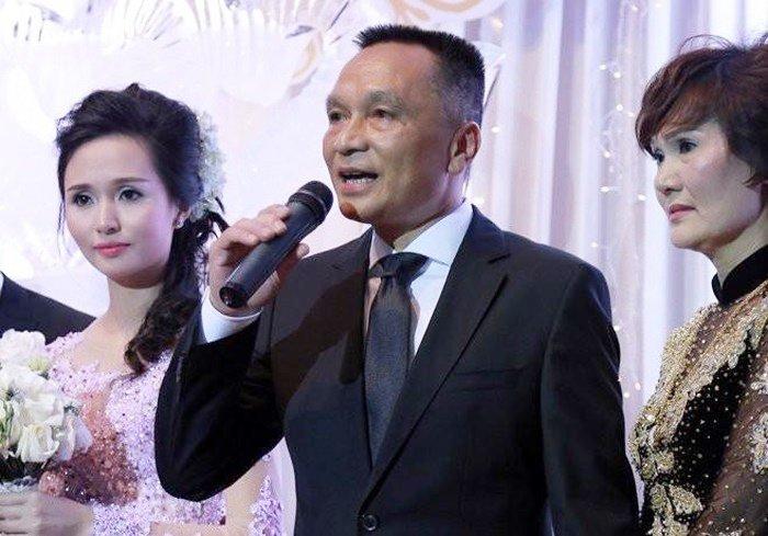 Bố vợ 'siêu giàu' của Duy Mạnh, Văn Quyết - Ảnh 1