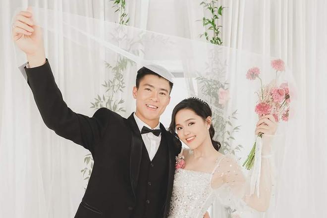 Bố vợ 'siêu giàu' của Duy Mạnh, Văn Quyết - Ảnh 3