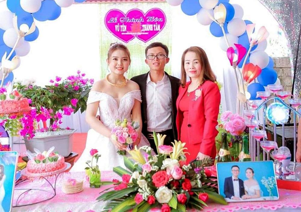 Cô giáo Nghệ An trả lại 2 chỉ vàng nhặt được ở đám cưới - Ảnh 1