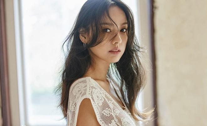 Lee Hyori - 'nữ hoàng sexy' từ bỏ tất cả về làm nông với chồng nghèo - Ảnh 1