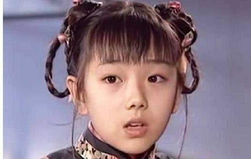 """Nổi tiếng nhờ """"Hoàn Châu cách cách"""", vô số người chờ đợi cô lớn nhưng ở tuổi 31 lại lựa chọn cạo tóc làm ni cô - Ảnh 4"""
