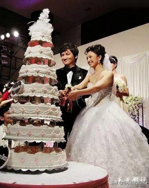 'Đát Kỷ' ma mị nhất màn ảnh từ sao hạng B trở thành bà trùm nhờ cưới người đàn ông này - Ảnh 7