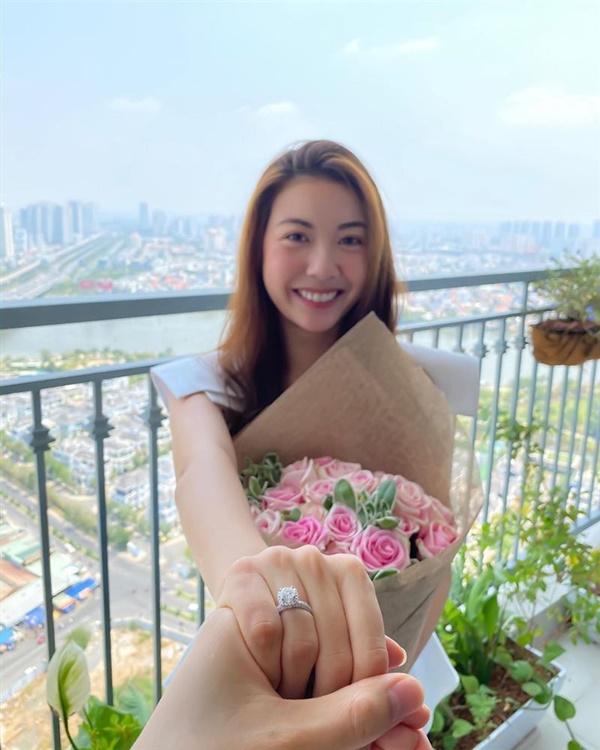 Thúy Vân công khai chồng sắp cưới: Hơn 10 tuổi nhưng ngoại hình trẻ ngang Á hậu - Ảnh 1