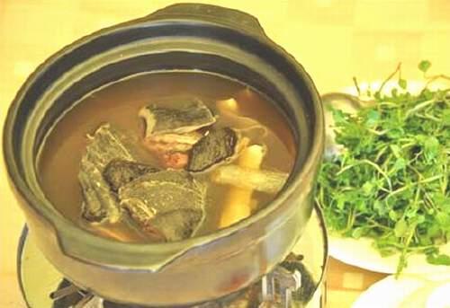 Món ăn hỗ trợ điều trị bệnh tinh dịch lẫn máu - Ảnh 1