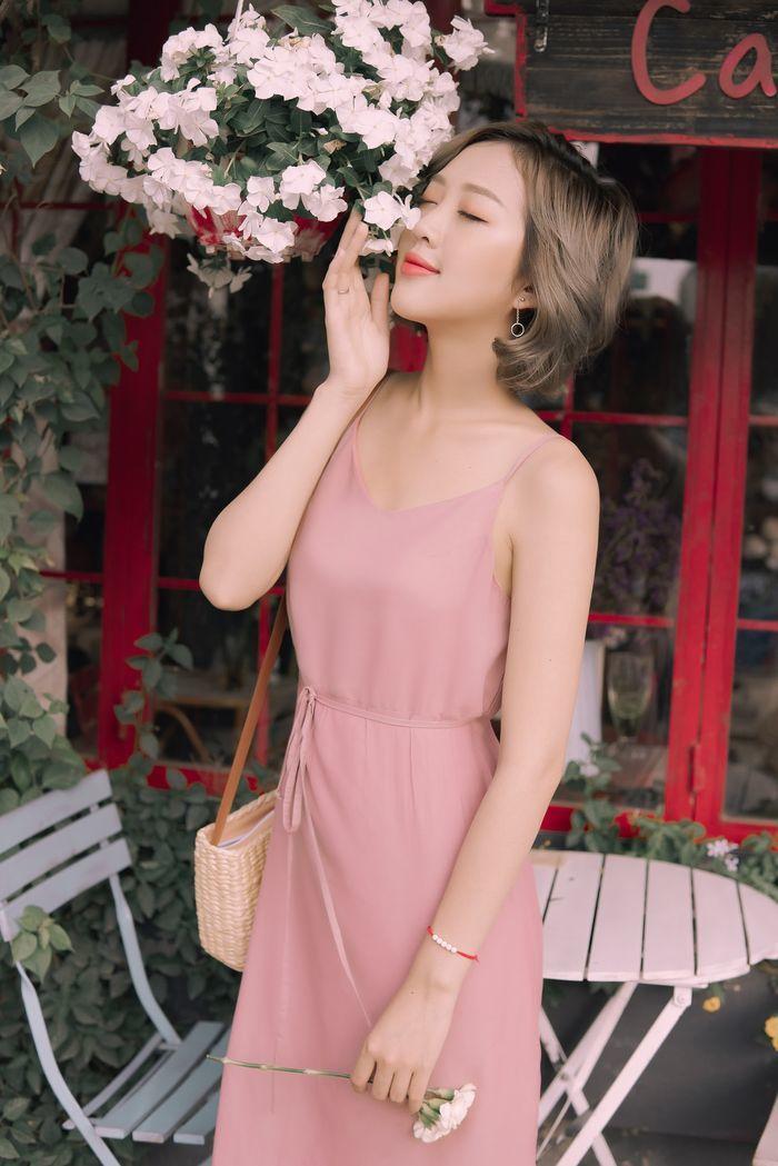 Phụ nữ ăn mặc đẹp mà quên những thứ sau thì vẫn giảm sự sang trọng hẳn - Ảnh 1