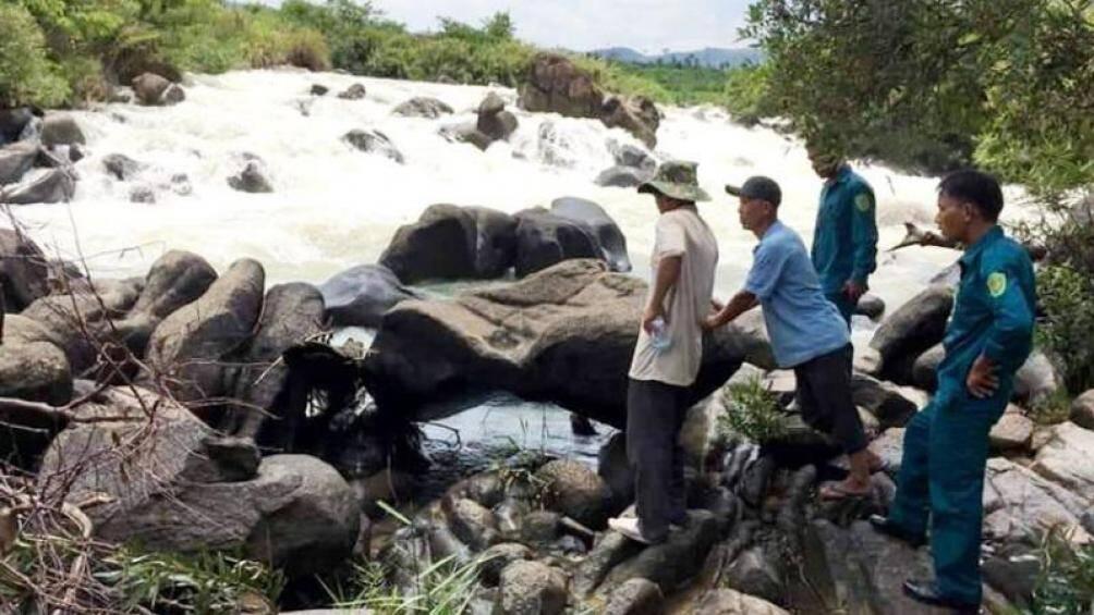 10 người du ngoạn thác nước sông Đồng Nai, 1 người bị lũ cuốn tử vong - Ảnh 1