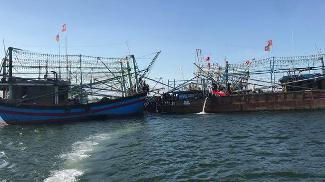 Quảng Nam:  Chìm tàu cá, 6 ngư dân may mắn thoát chết - Ảnh 2