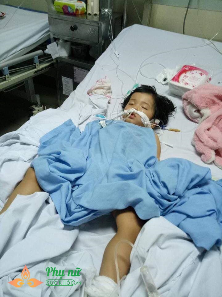 Nghẹn lòng mẹ đơn thân đi tìm công lý cho con gái bị bạo hành rạn sọ não,  thương tích 64% tại trường mầm non tư thục - Ảnh 1