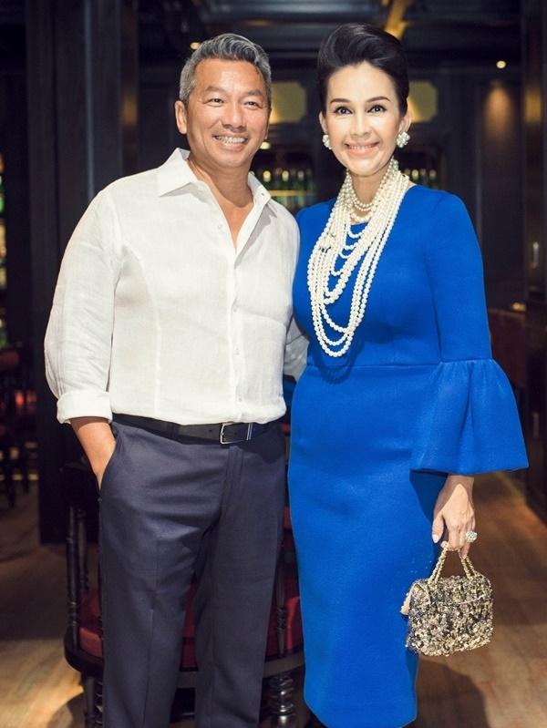 'Nữ hoàng ảnh lịch' Diễm My khoe nhan sắc lão hóa ngược sau 25 năm ngày cưới - Ảnh 4