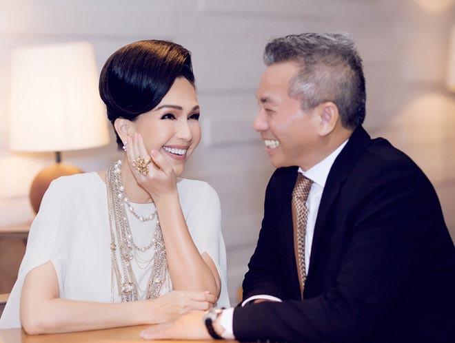 'Nữ hoàng ảnh lịch' Diễm My khoe nhan sắc lão hóa ngược sau 25 năm ngày cưới - Ảnh 6