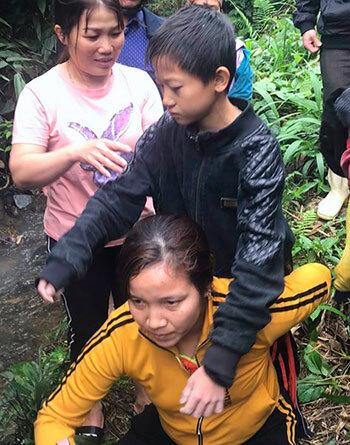 15 tiếng trong rừng của hai đứa trẻ bị lạc - Ảnh 2