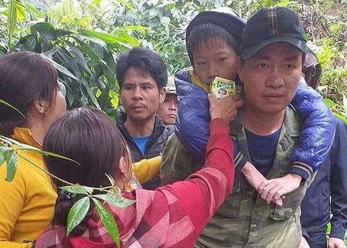 15 tiếng sinh tồn của hai bé trai bị bố 'quên' trong rừng - Ảnh 2