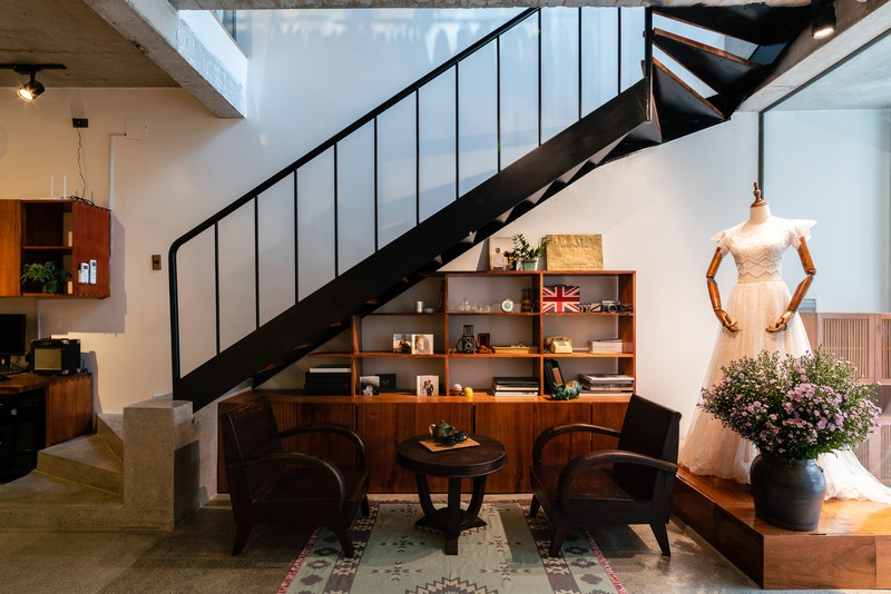 Nhà ở kết hợp với studio áo cưới được bố trí hợp lý - Ảnh 4
