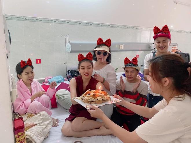 Ốc Thanh Vân: 'Mai Phương mệt và yếu hơn trước' - Ảnh 2