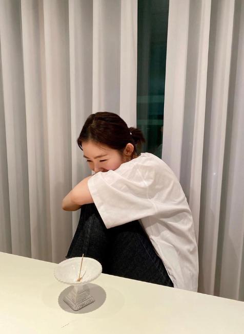 Học lỏm các sao Hàn cách để tóc đơn giản mà vẫn đẹp hút mắt - Ảnh 8