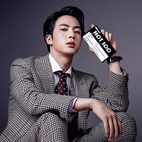 Jin (BTS) khiến fan gây thương nhớ với vẻ đẹp như hoàng tử trong quảng cáo mới - Ảnh 1