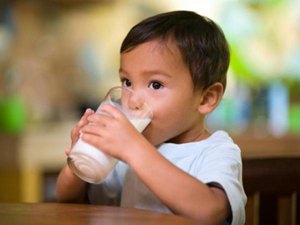 Sự khác biệt của trẻ uống sữa mỗi ngày và trẻ lười uống sữa - Ảnh 1