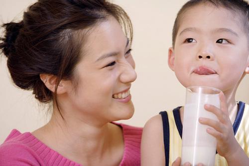 Sự khác biệt của trẻ uống sữa mỗi ngày và trẻ lười uống sữa - Ảnh 3