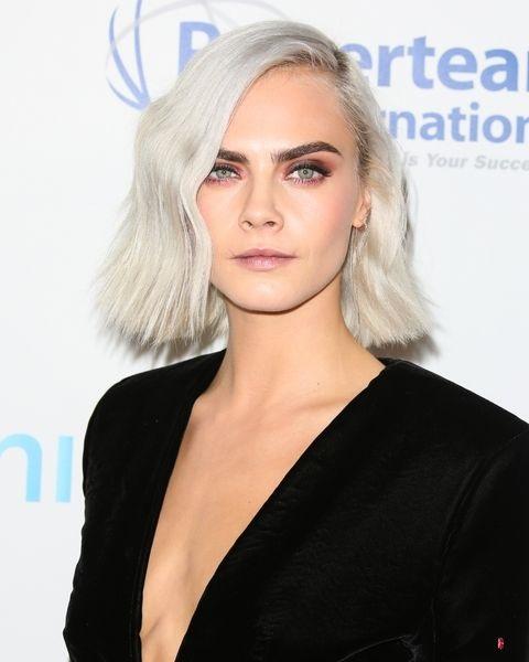 Tóc bạch kim được dự đoán là xu hướng tóc 2017 cho nữ