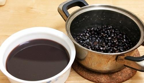 Tóc bạc sớm, khô xơ cỡ nào cũng đen nhánh, suôn mượt trở lại chỉ với 1 nắm đậu đen và 1 quả khế chua - Ảnh 3