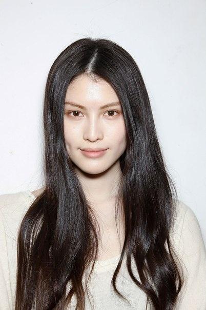 Kiểu tóc đen dài đơn giản mà nữ tính, chị em tha hồ làm đẹp