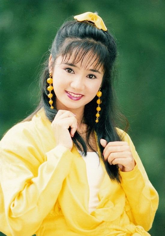 Những kiểu tóc tưởng du nhập từ Hàn Quốc thì ra đã gây sốt ở Việt Nam từ thời các dì, các mẹ - Ảnh 4