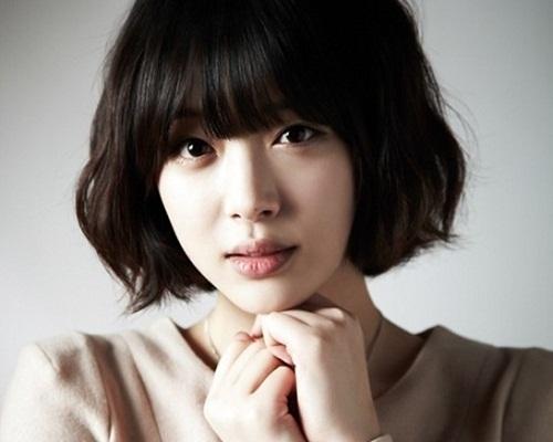 Tóc ngắn mái thưa Hàn Quốc đẹp dịu dàng, nổi bật