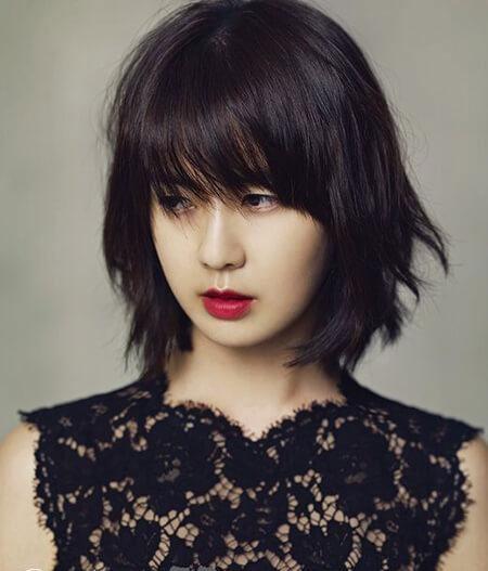 Tóc ngắn mái thưa Hàn Quốc đánh rối tự nhiên mang vẻ đẹp cá tính