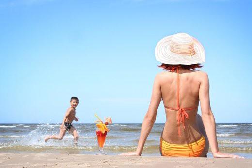Dùng vitamin D quá mức dễ gây suy thận - Ảnh 1