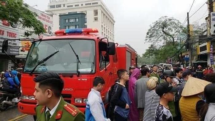 Cháy khách sạn 3 tầng ở Hải Phòng, một nữ nhân viên tử vong - Ảnh 1