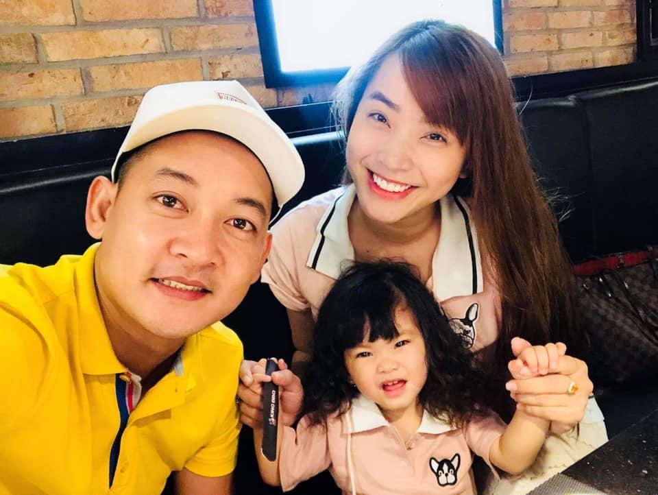 Gia đình nhỏ hạnh phúc của Hải Băng - Thành Đạt. Ảnh: FBNV