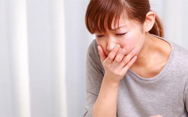 Khi thân não – khu vực kiểm soát tiêu hóa và hơi thở gặp phải áp lực sẽ gây ra chóng mặt, buồn nôn