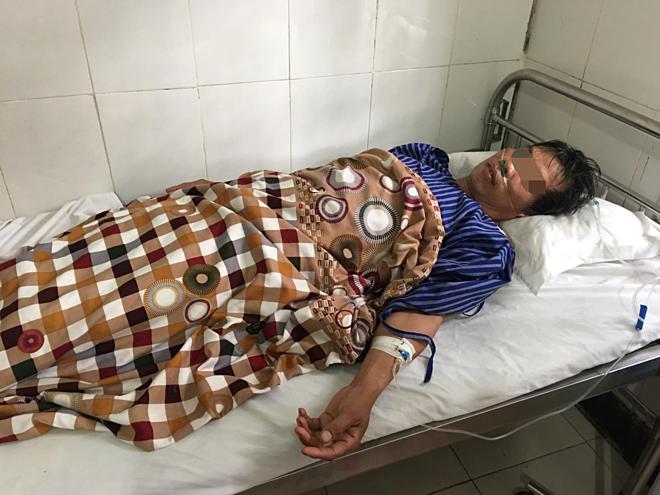 Hai người ở Lạng Sơn bị ngộ độc do uống rượu ngâm cây thuốc phiện - Ảnh 1