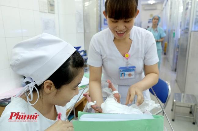 Nữ hộ sinh bị đánh vỡ mắt, lệch sống mũi ngay tại Bệnh viện Nhi đồng 2 - Ảnh 4