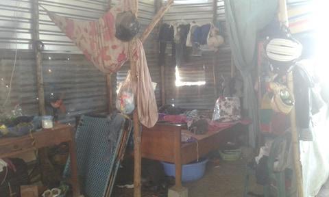 Không gian sinh hoạt tù túng của cả gia đình