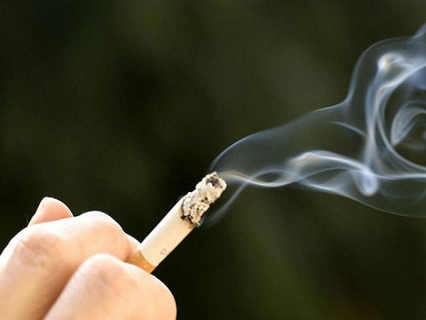 Lời cảnh tỉnh trên cáo phó của người đàn ông chết vì thuốc lá - Ảnh 1