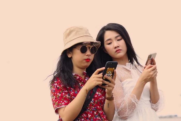 Trang Hí nghi ngờ 'hot girl trà sữa' chơi ngải mình trong lúc đóng phim - Ảnh 2