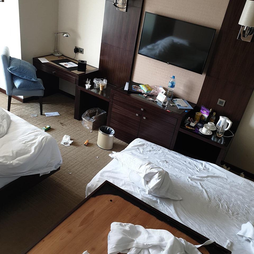 Nỗi ám ảnh mùa du lịch: Choáng trước cảnh du khách bày bừa phòng khách sạn 'như bãi chiến trường' - Ảnh 4