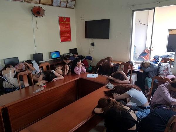 Hơn 200 dân chơi phê ma túy tại vũ trường nổi tiếng Sài Gòn - Ảnh 1
